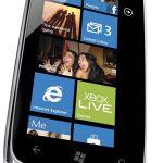 Nokia presenta el Lumia 610 y versión global del Lumia 900