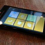 Alcatel One Touch View con Windows Phone 7.8 se muestra