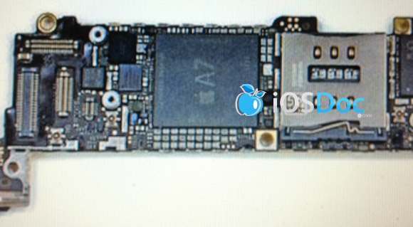 Apple Chipset A7 quad-core 2 GB RAM