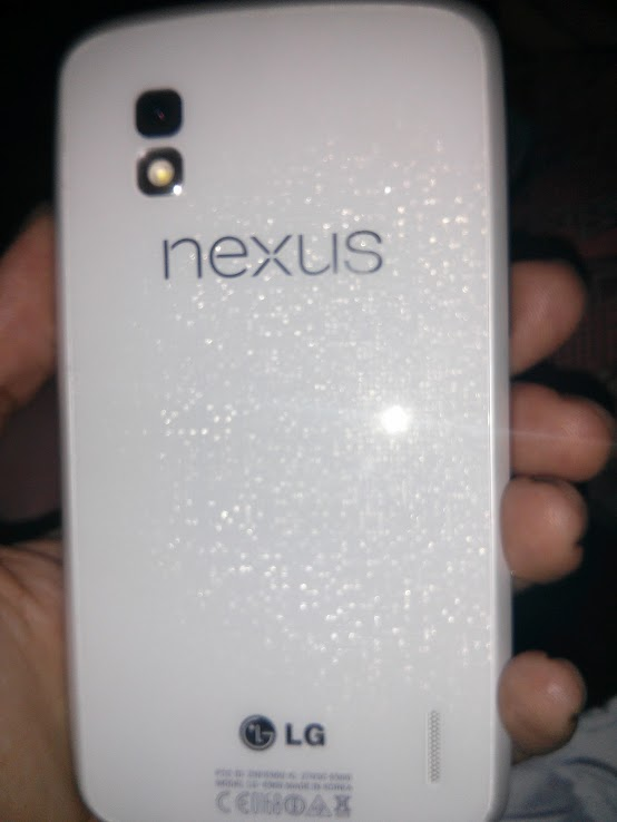 LG NExus 4 color blanco filtrado