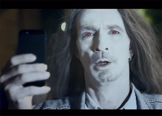 Video Lumia 925 muestra a usuarios del iPhone como Zombies
