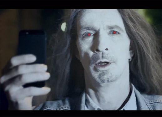 Video Lumia 925 muestra a usuarios del iPhone como Zombies