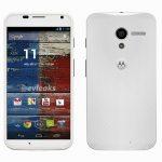 Motorola Moto X aparece en color blanco en imagen de prensa oficial