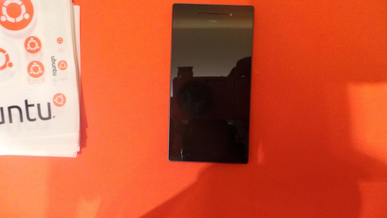 Ubuntu Edge smartphone hands-on