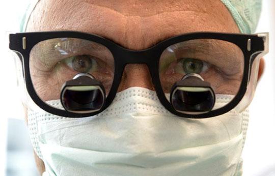 Doctor en cirugía