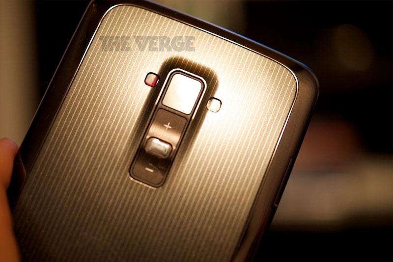 """LG G Flex phablet con pantalla curva de 6"""" HD fotos en directo The Verge"""