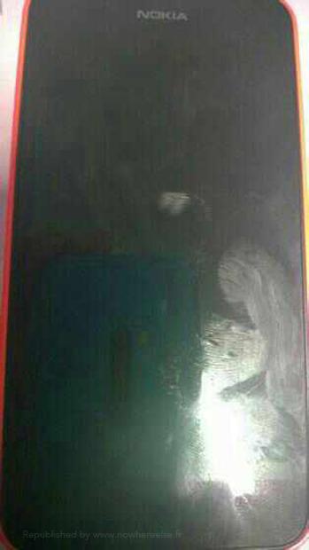 Nokia X (Normandy) Android phone en directo pantalla