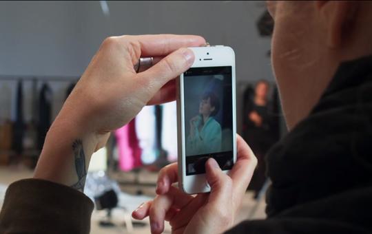 Apple publica nuevo anuncio de pasarela Burberry grabado con iPhone 5s