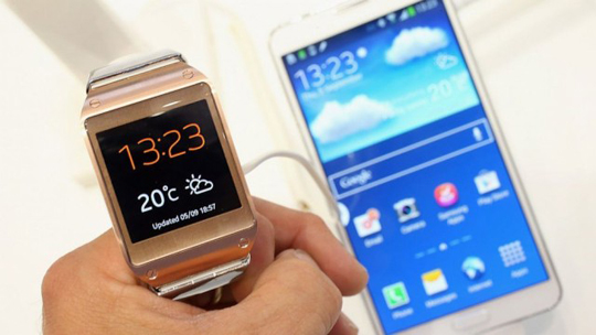 Samsung Galaxy Gear con dispositivo