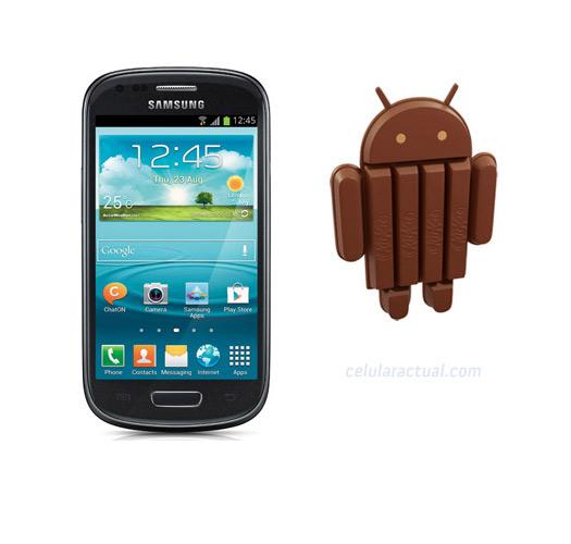 Samsung Galaxy S III mini con Android 4.4 Kitkat logo