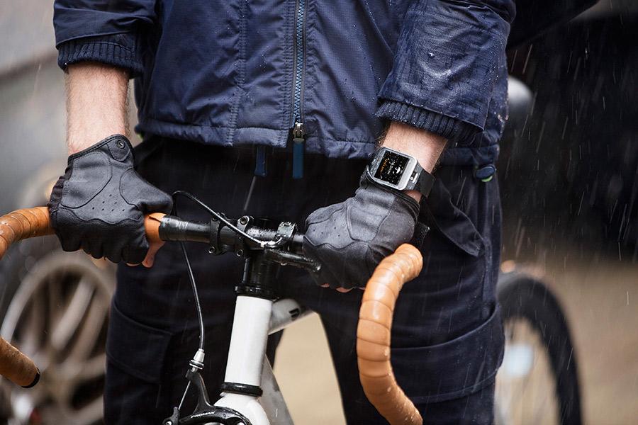 Samsung Galaxy S5 SM-G900F color negro Galaxy Gear 2 en bicicleta