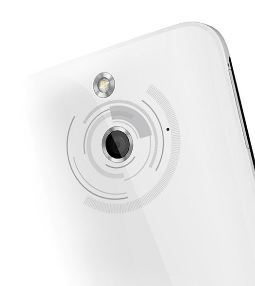 HTC One E8 oficial Cámara trasera con Flash LED