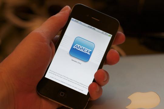 American Express se asocia con Apple para incorporar método de pagos