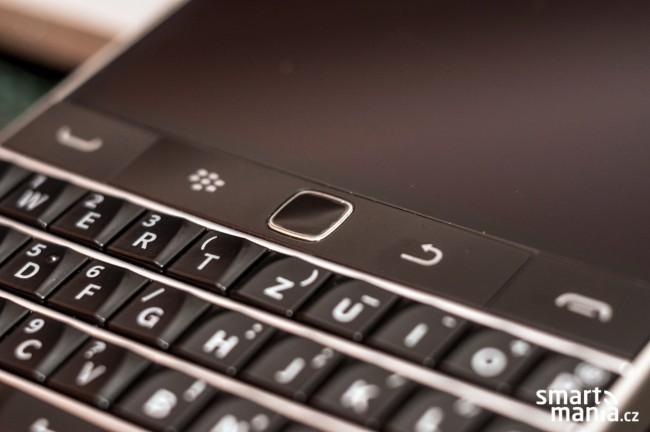 El BlackBerry Classic pantalla y reclado detalle