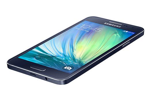 Samsung Galaxy A3 color azul frente pantalla recostado 2