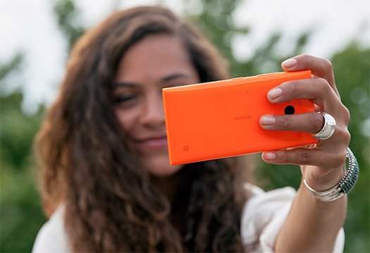 Nokia Lumia 735 Selfie Phone