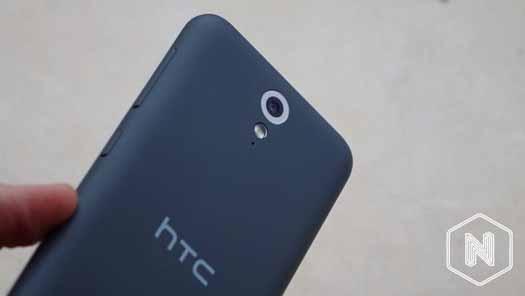 HTC Desire 620 detalle de cámara