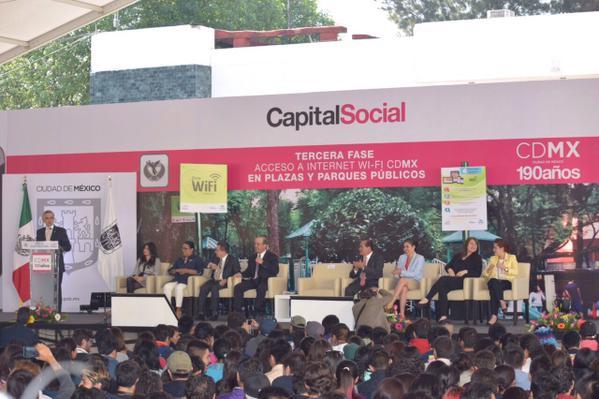 Gobierno del DF y Telmex en evento internet wifi gratis en Iztapalapa