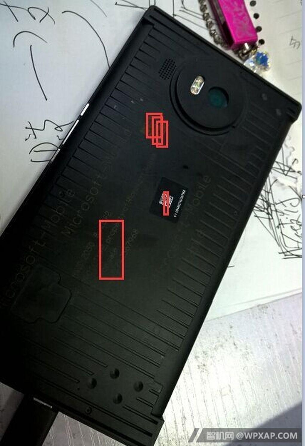 Microsoft Lumia 950 XL vista posterior