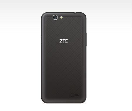 ZTE Blade A465 vista posterior