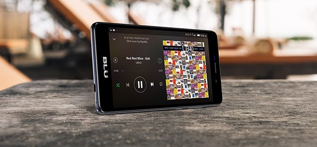Blu Life XL 4G pantalla