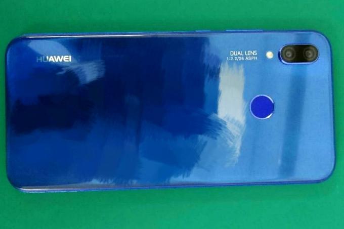 Huawei P20 Lite azul atrás