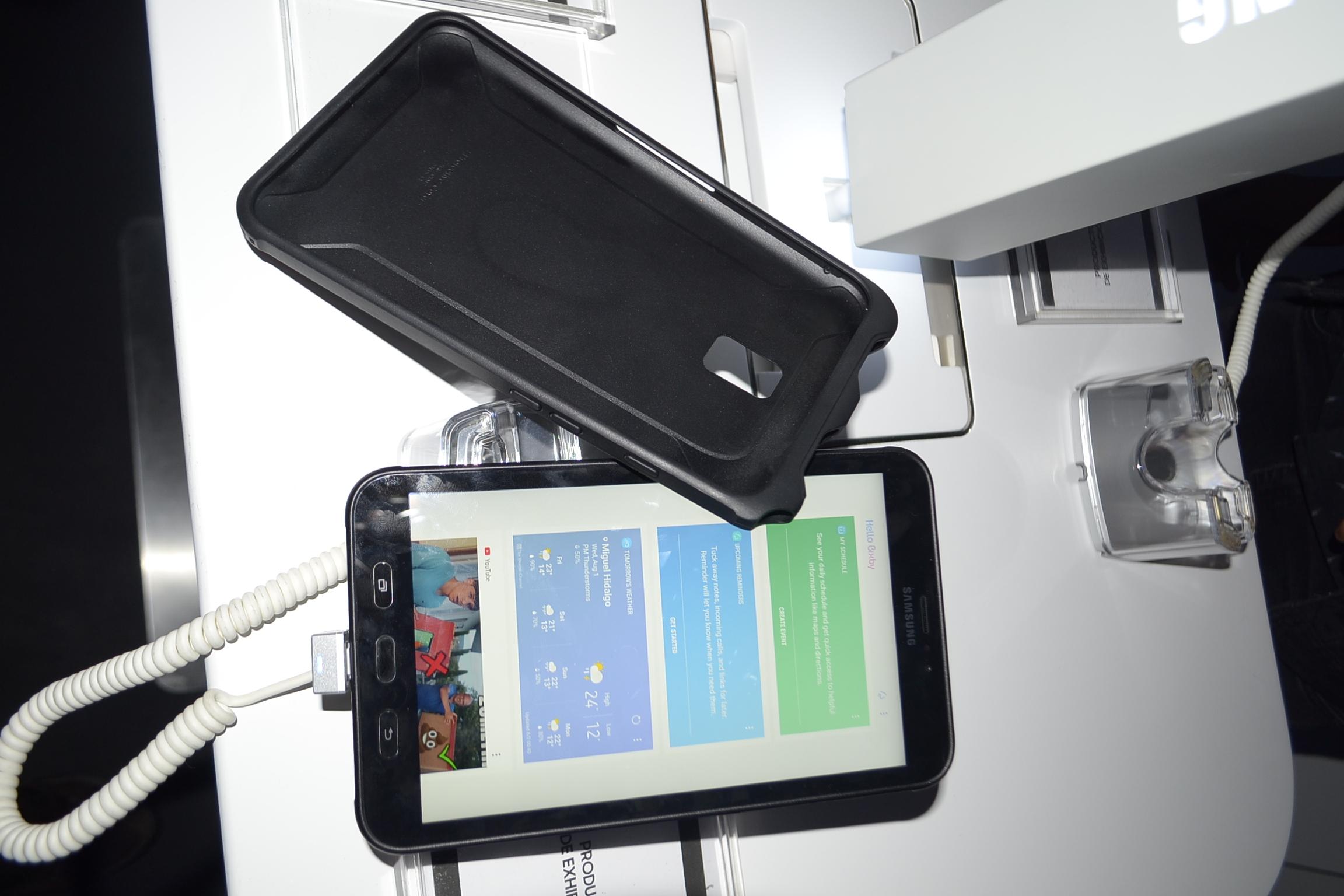 Galaxy Tab Active 2 frente y cubierta
