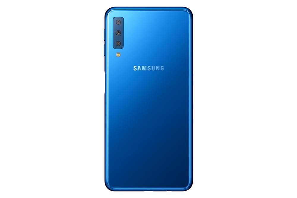 Samsung Galaxy A7 triple cámara trasera
