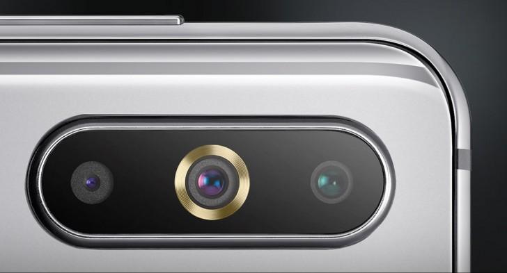 Samsung Galaxy A8s triple cámara